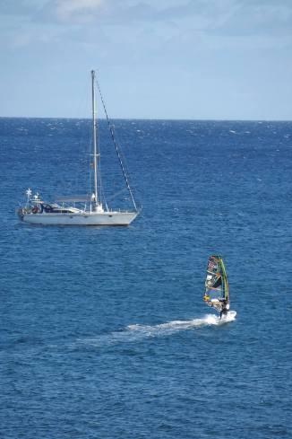 jiho západní směr větru = rovná voda